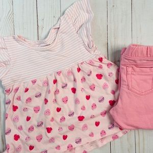 🎄2/$10🎄JumpingBeans 2Piece Strawberry Oufit